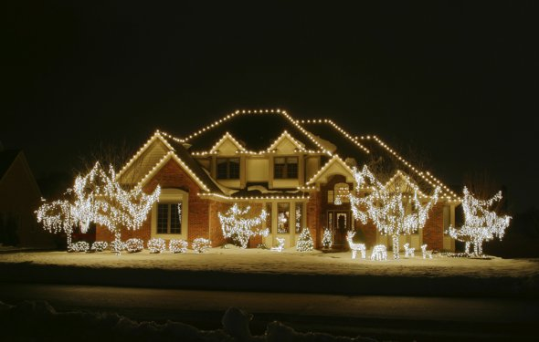Holiday outdoor lights