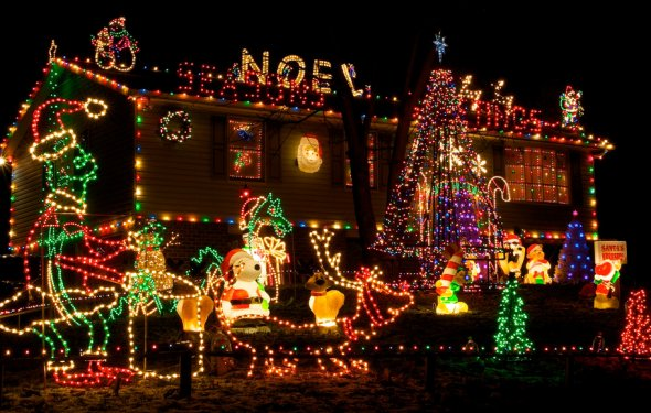 Homes Decorated For Christmas