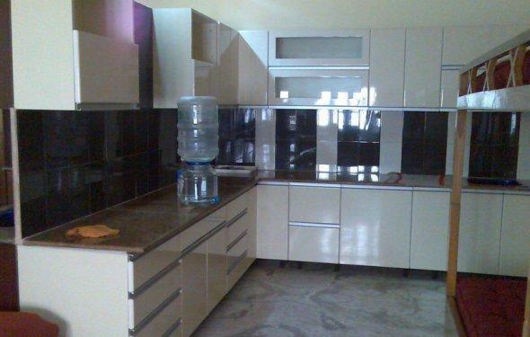 Modern Kitchen Decoration with
