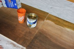 Incorporating paint thinner to decorate in a DIY wall art task