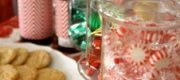 Christmas time Decorating Ideas: Candies and Ornaments Decorate a Snack Table