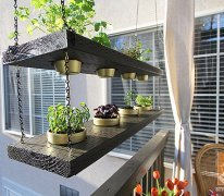 Deck Decorating Ideas: Hanging planters