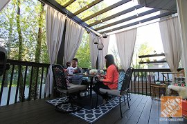 Deck designing Tips: Jen Stagg along with her household on her behalf beautifully decorated outdoor living area