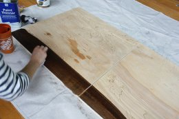Staining timber using staining pad for a DIY wall art project
