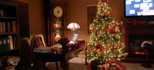 How to decorate Christmas tree at home?